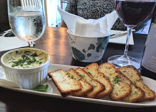 Blue Star Brasserie's warm blue crab fondue had leeks, spinach and blue crab and was served with toasted crostinis.