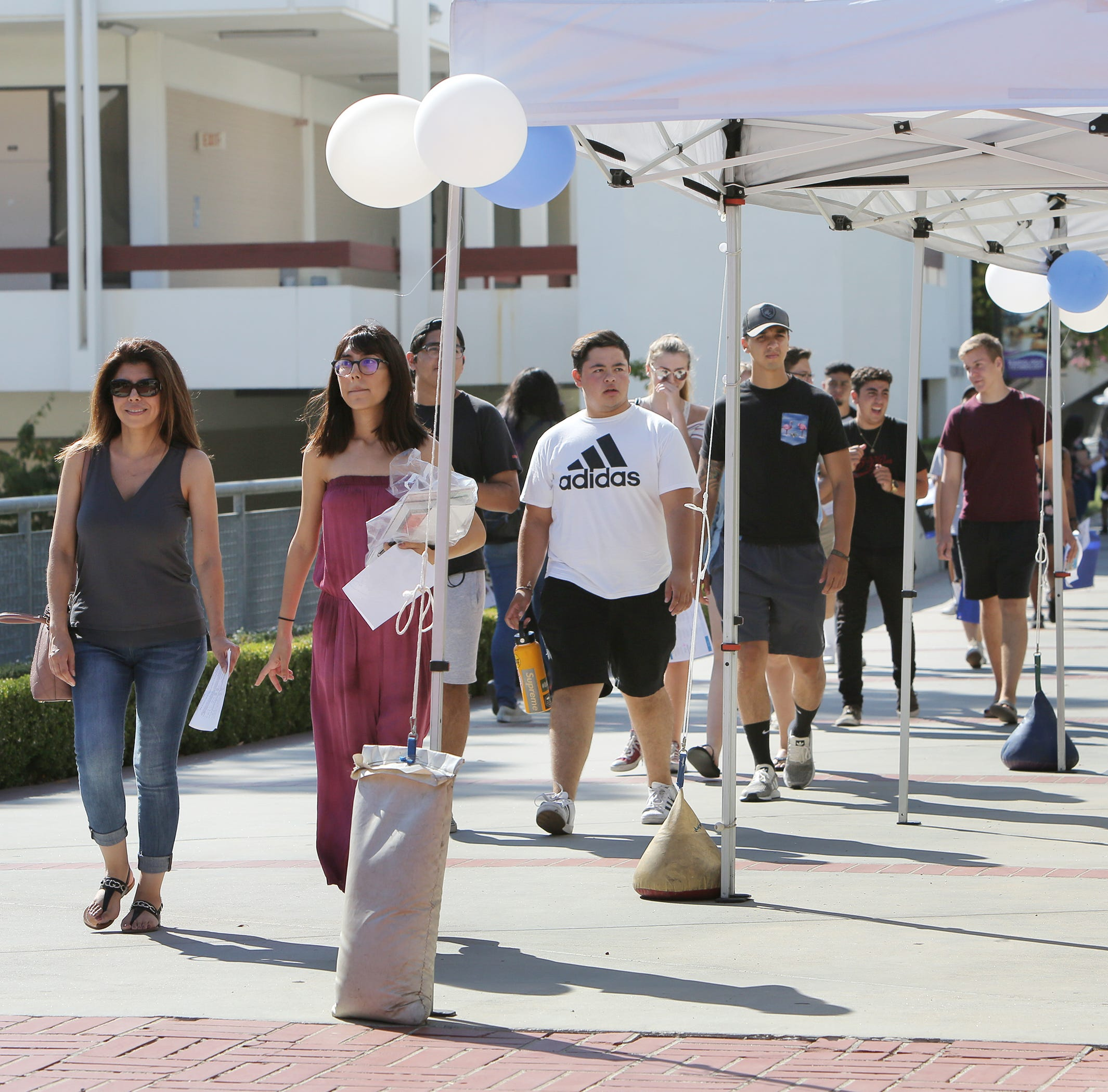 Ventura County's community colleges try to ease students' first-year jitters