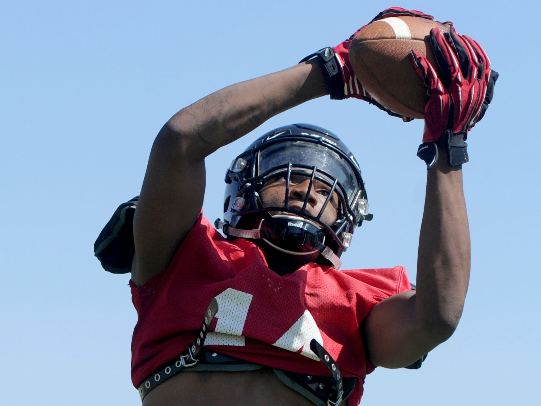 CJ Lewis, a transfer from Tennessee, is expected to be a big contributor at receiver this season for Rio Mesa.