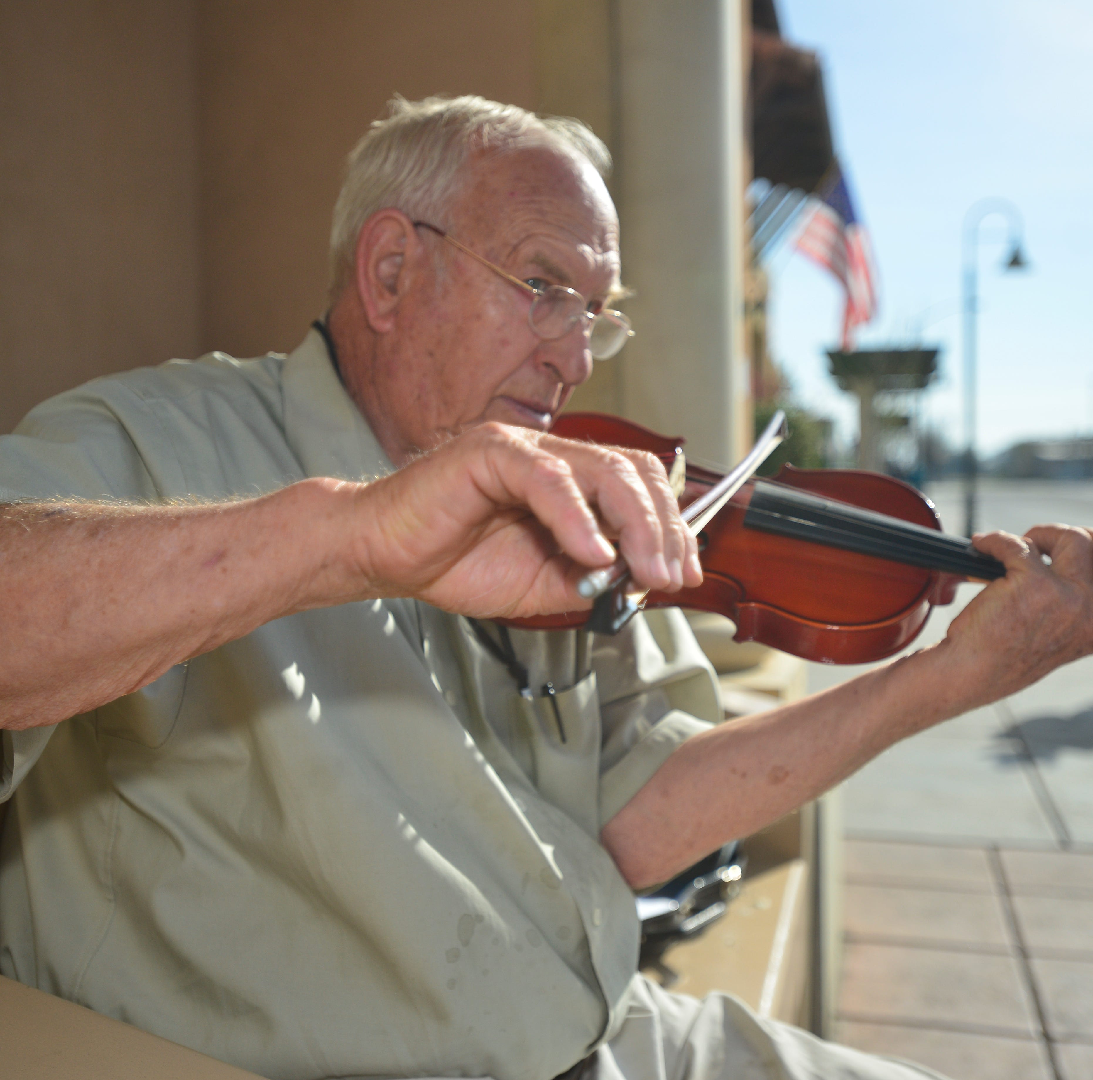 Downtown Visalia's self-taught violinist dies