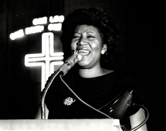 """July 26, 1984; Detroit, MI, USA; Aretha Franklin sings """"Precious Lord, Take My Hand"""" during the funeral for Philippe Wynne, the former lead singer of the Spinners, during his 1984 funeral in Detroit. Franklin died of pancreatic cancer on Thursday at age 76."""