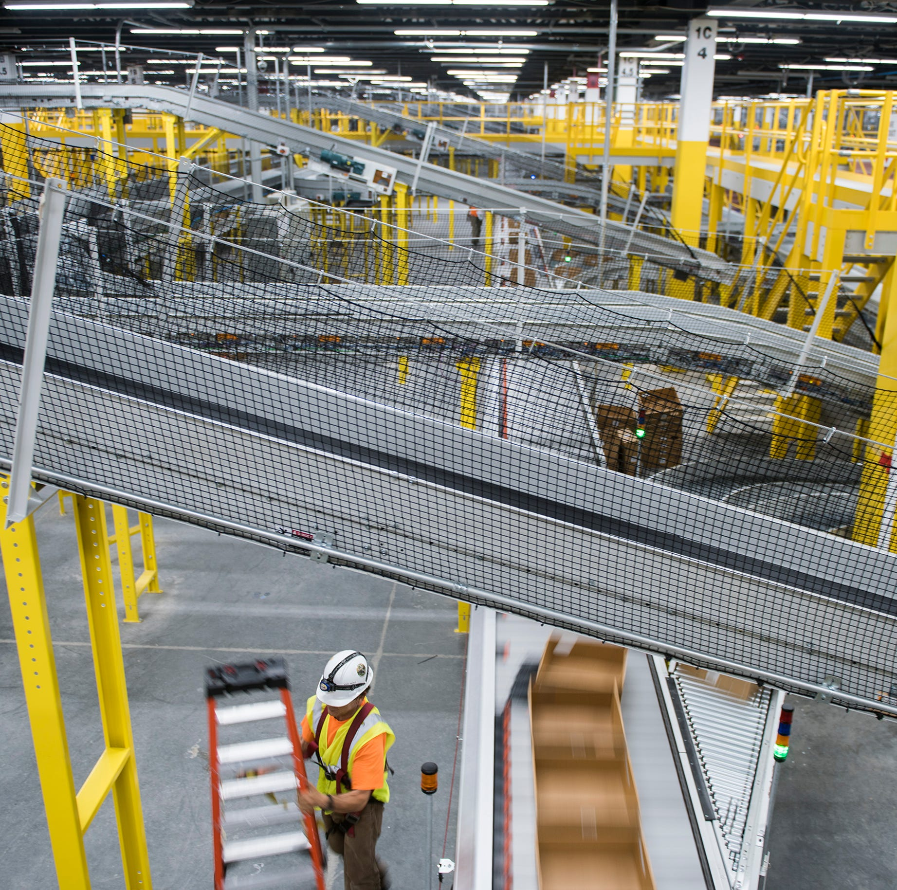 What's inside the newest Amazon fulfillment center in South Jersey?