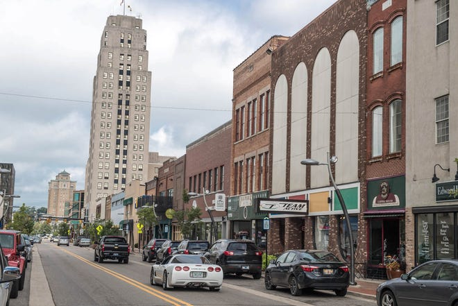 West Michigan Avenue cuts through downtown Battle Creek in 2016.