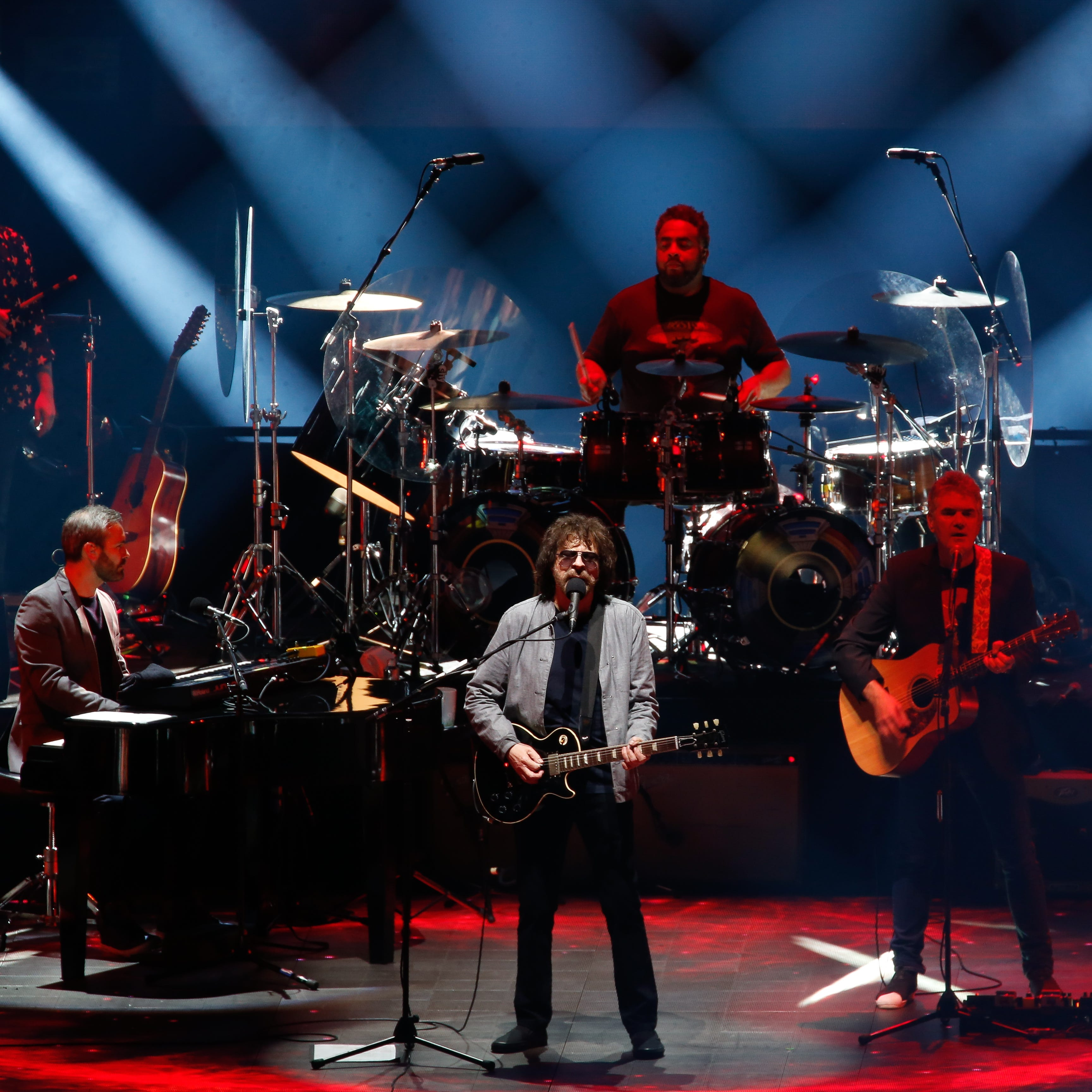 Review: Jeff Lynne's ELO brings blue skies to Little Caesars Arena