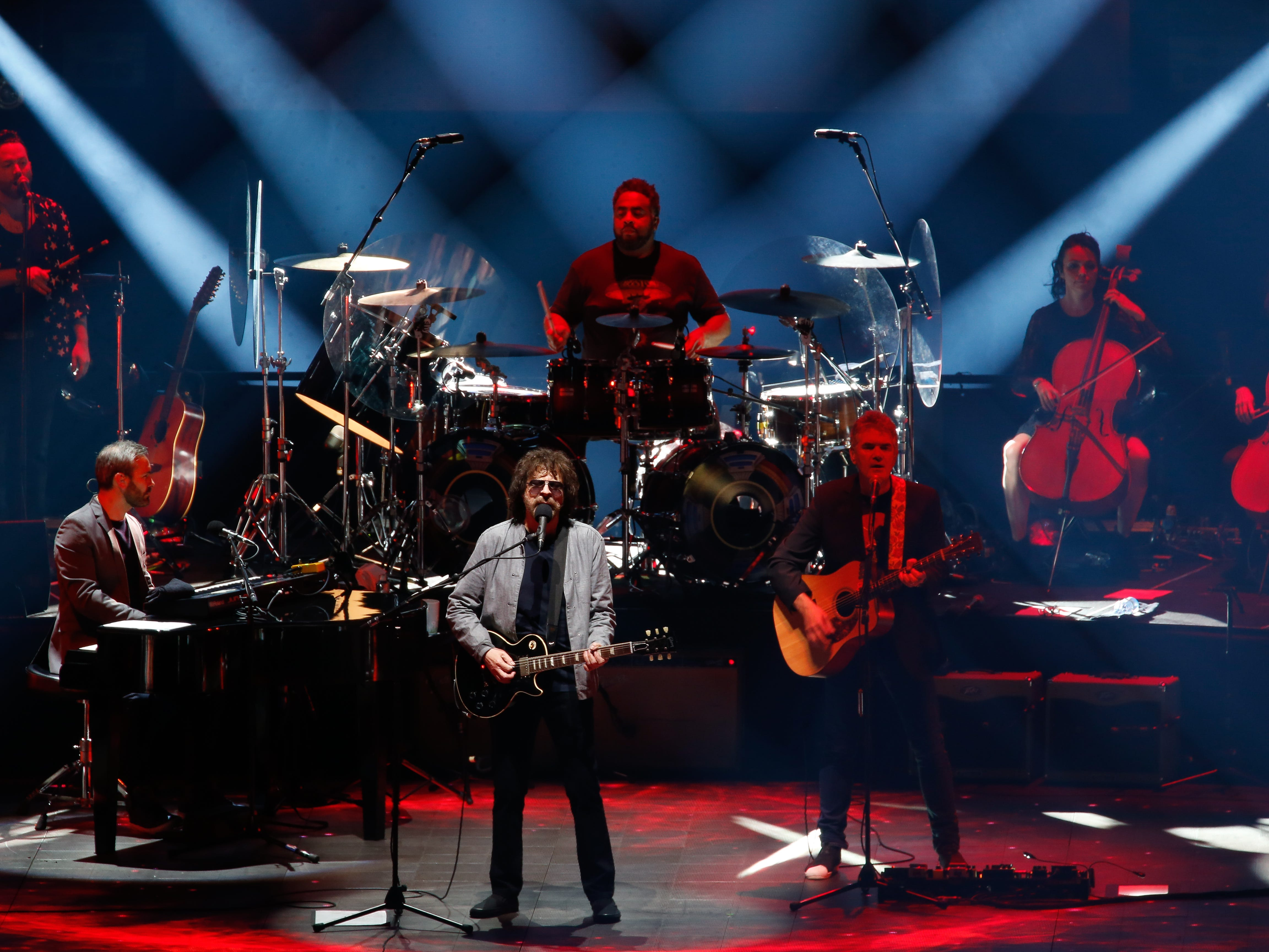 Jeff Lynne's ELO performs from its catalog of hits Thursday night  at Little Caesars Arena.
