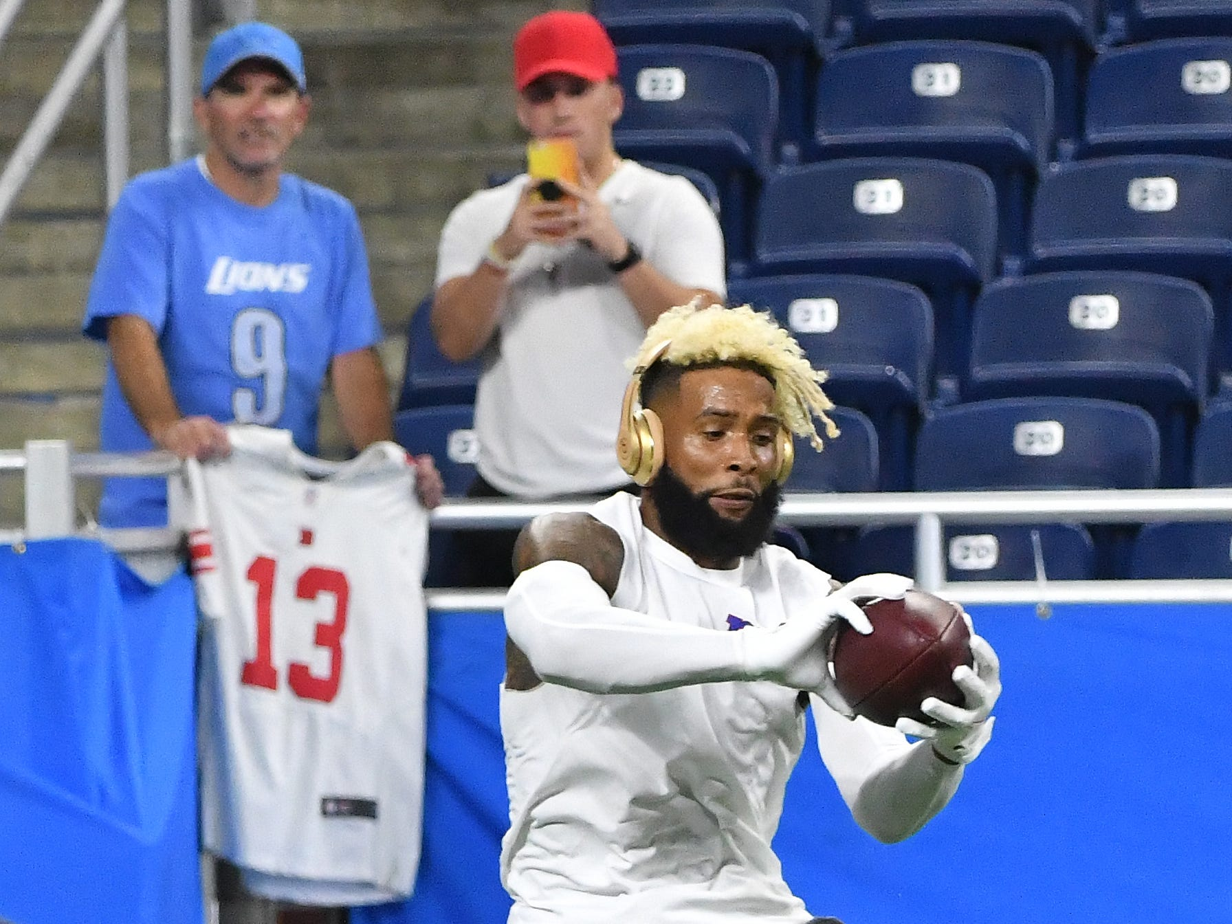 Giants wide receiver Odell Beckham Jr. working during warmups.