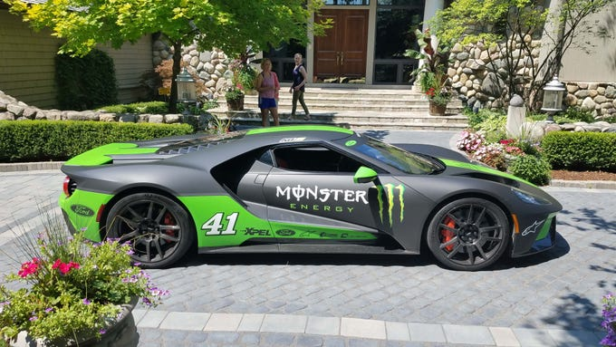 Kurt Busch #41 chose to wrap his Ford GT in the same Monster Energy livery as his NASCAR Ford Fusion. The NASCAR star is fourth in the championship standings going into Bristol this weekend.
