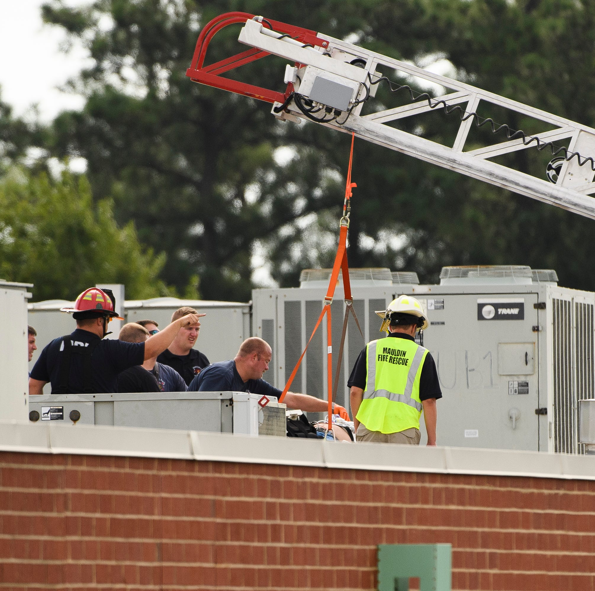 HVAC worker identified after collapsing on roof of Mauldin Middle School