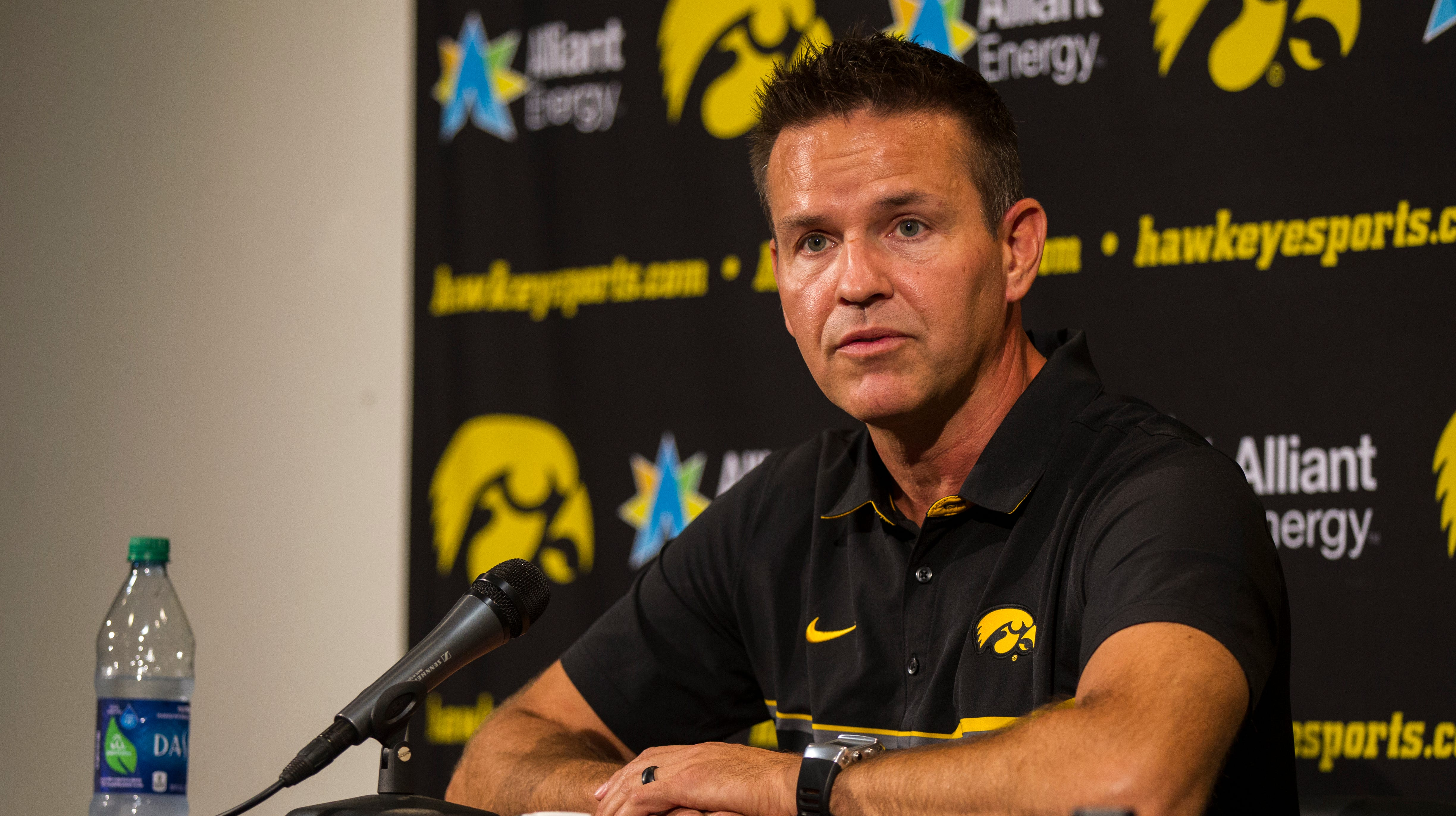 Iowa Hawkeyes volleyball coach Bond Shymansky on administrative leave due to an NCAA rules violation