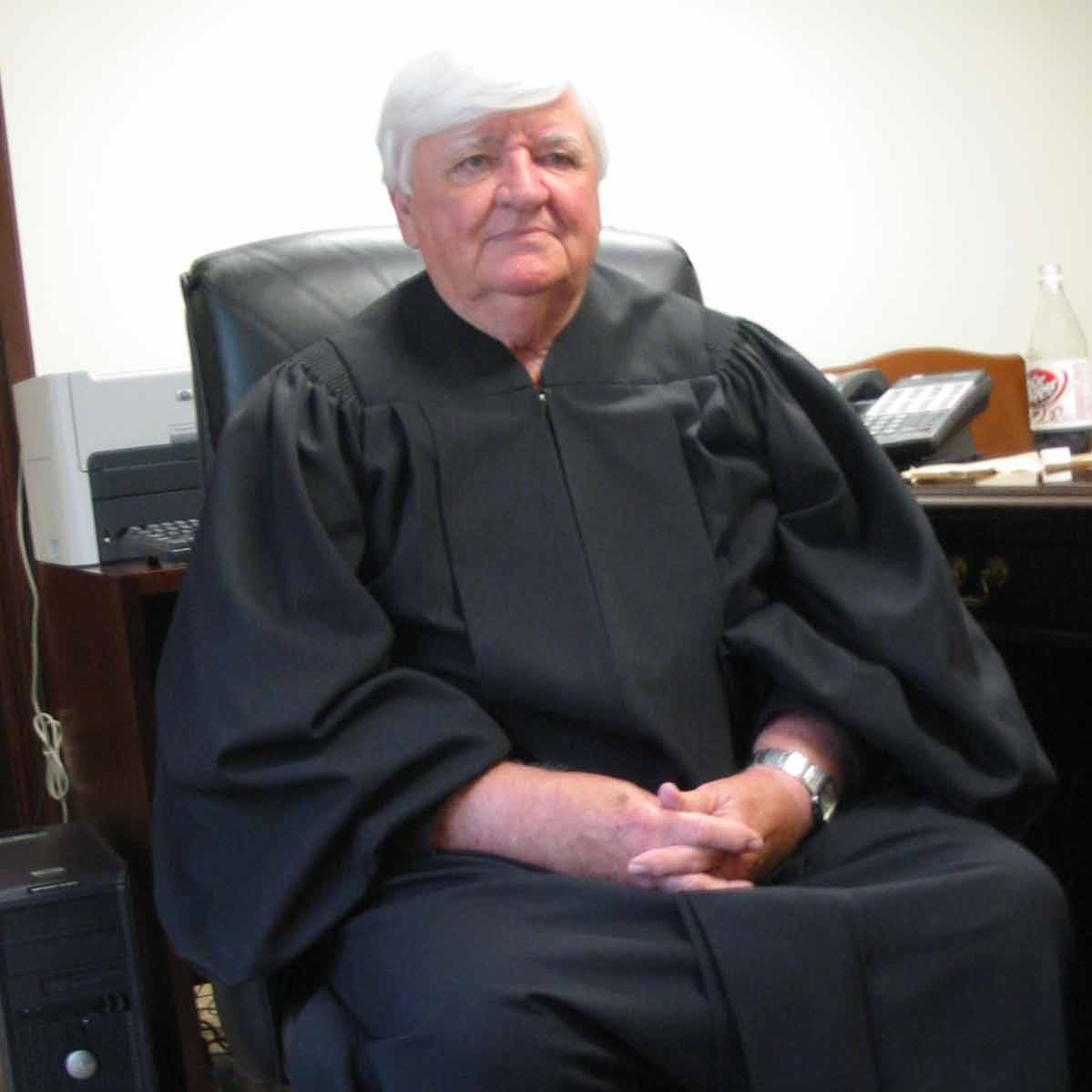 Retired Circuit Judge Henry Lackey, who exposed state judicial bribery scheme, has died