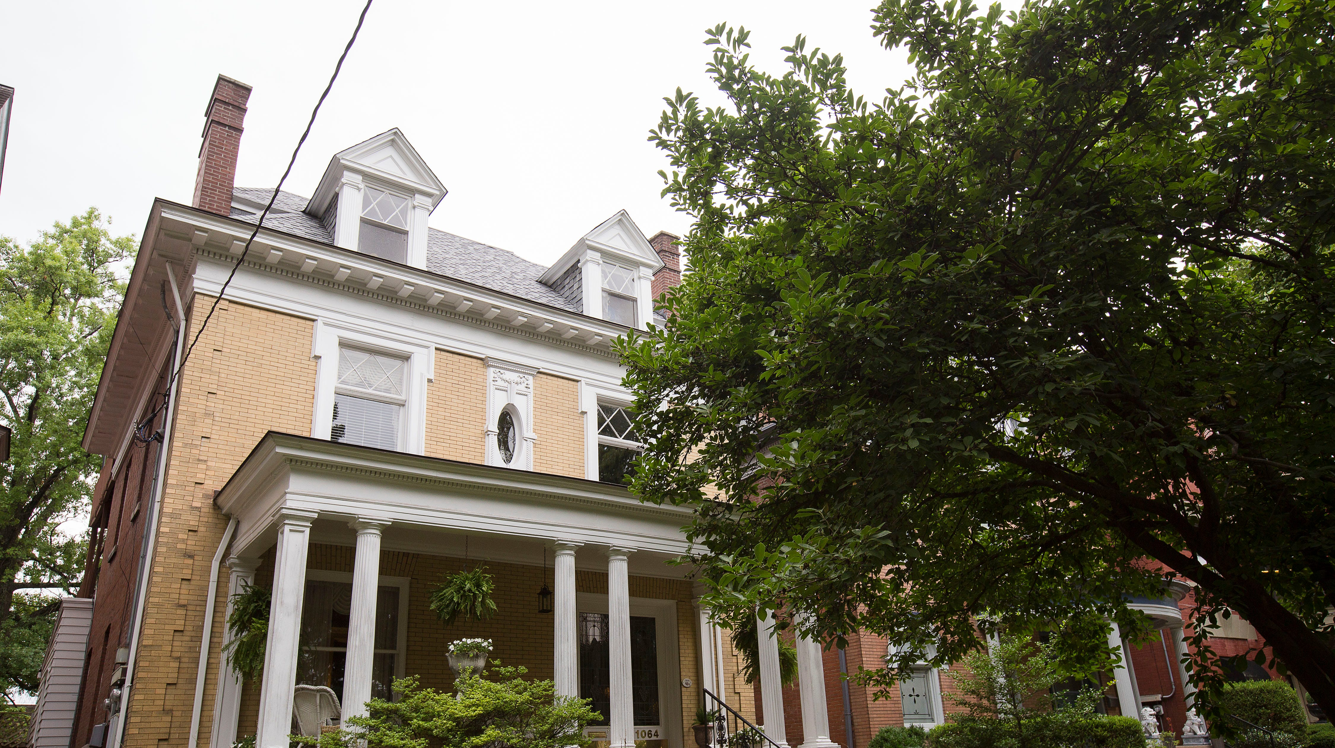 1900s Cherokee Triangle Victorian boasts modern touches, antique charm