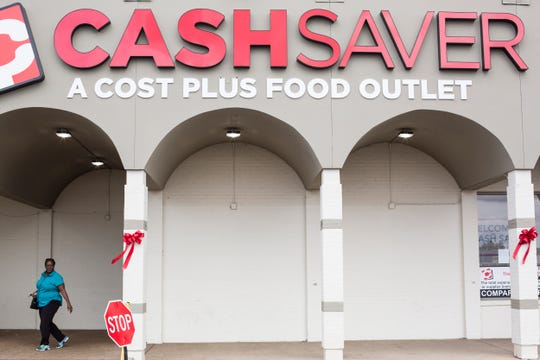 A look at the front of the new Cash Saver supermarket that replaced the closed Kroger in South Memphis along South Third Street.