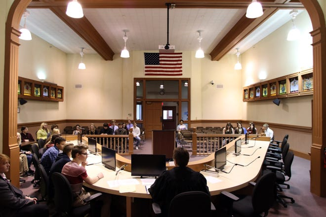 Students take part in a mock trial at Lake Country Municipal Court in Oconomowoc in March 2016. Hartland supports moving the court from its current location inside Oconomowoc City Hall to the city's new public safety building.