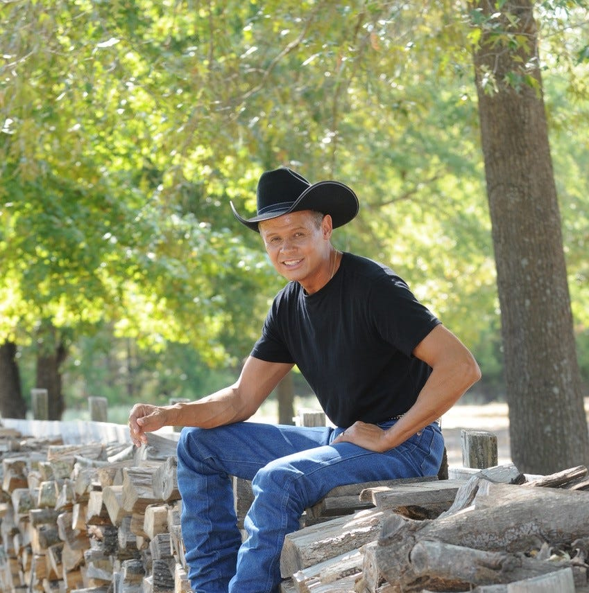 Neal McCoy, platinum recording artist, performs Aug. 23 and Aug. 24, at Spencer Theater