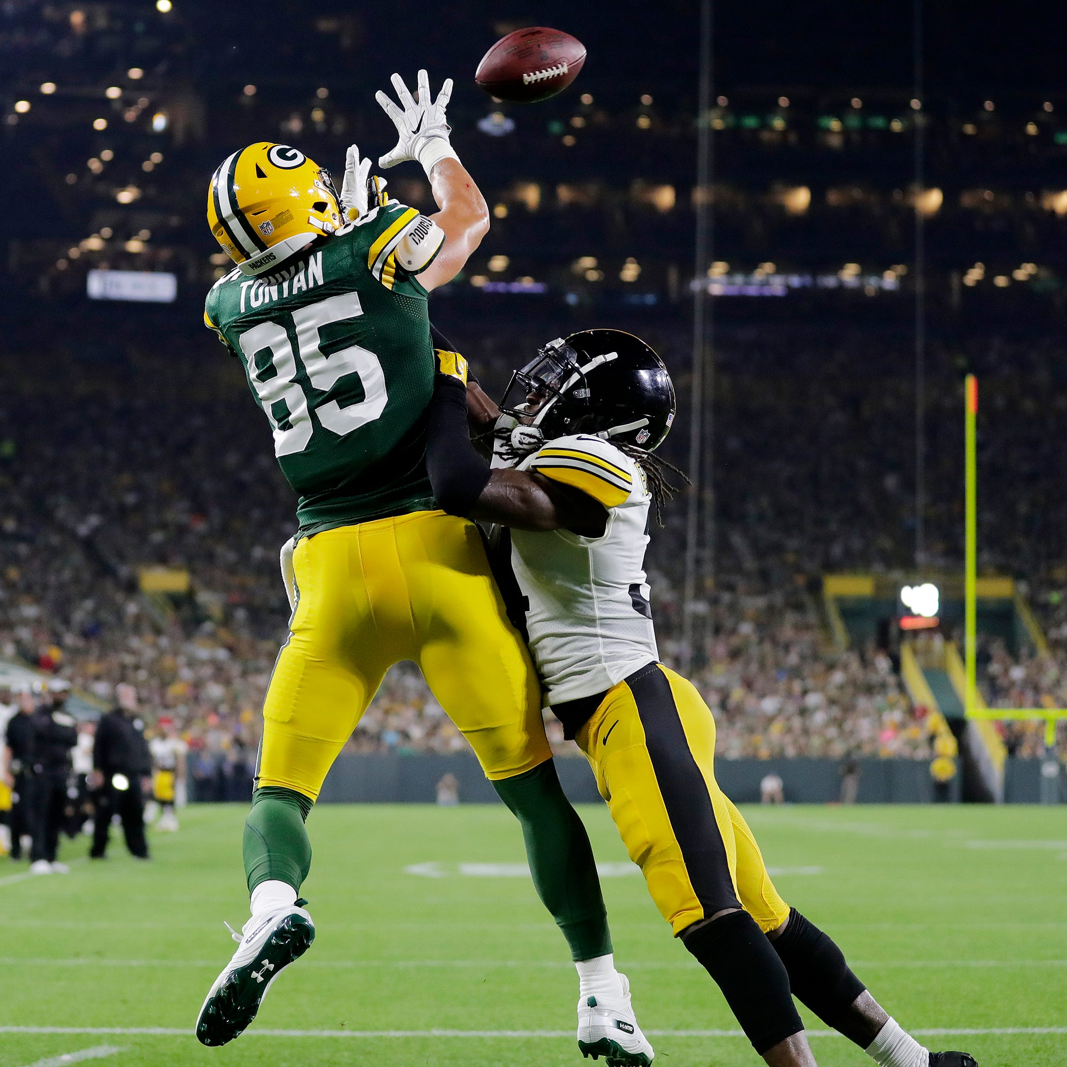 Morning Buzz: Packers score early and often vs Steelers