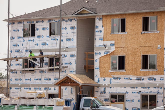 Construction on new units continues as residents begin to move-in at the new Cornerstone Apartments in Salem, Oregon, Thursday August 16, 2018. T