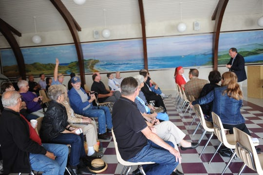 Residents of Sherwood Lake Mobile Home Park held a special meeting to discuss the proposed development of an 86-unit motel nearby.