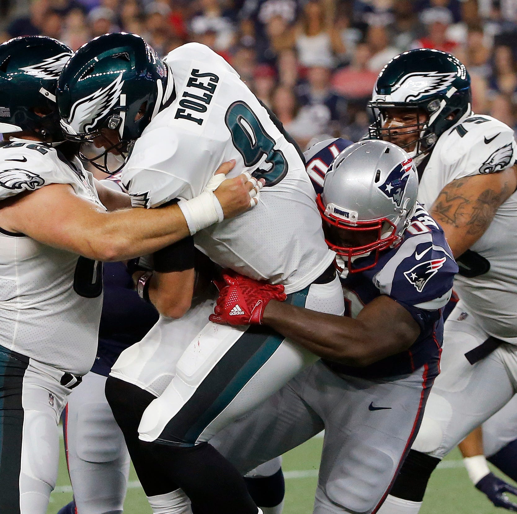 Eagles' Foles struggles, leaves with injury, but Sudfeld shines