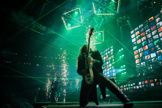 A dramatic shot from Trans-Siberian Orchestra's 2017 winter tour.