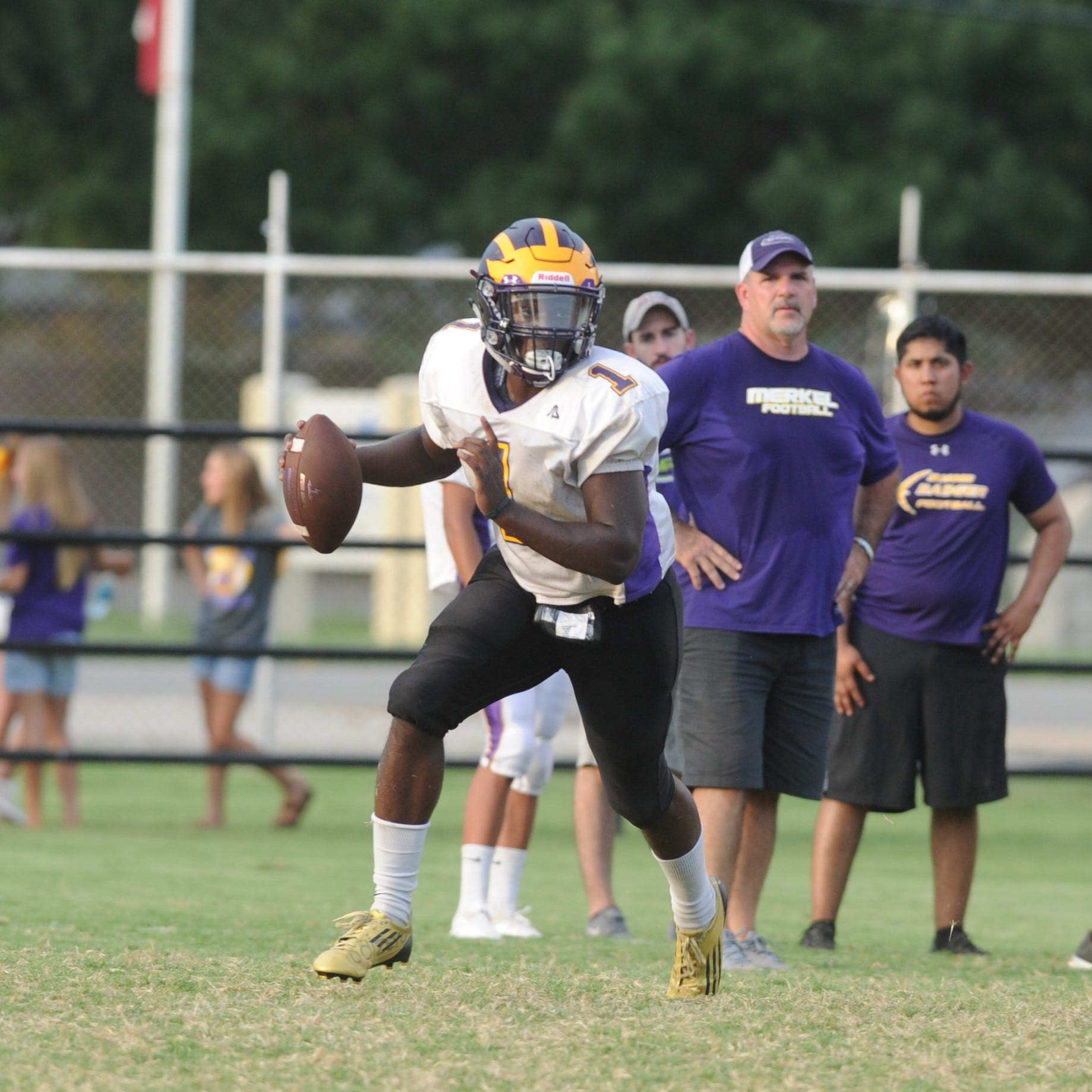 Eastland, Merkel coaches see mixed results in first football scrimmage