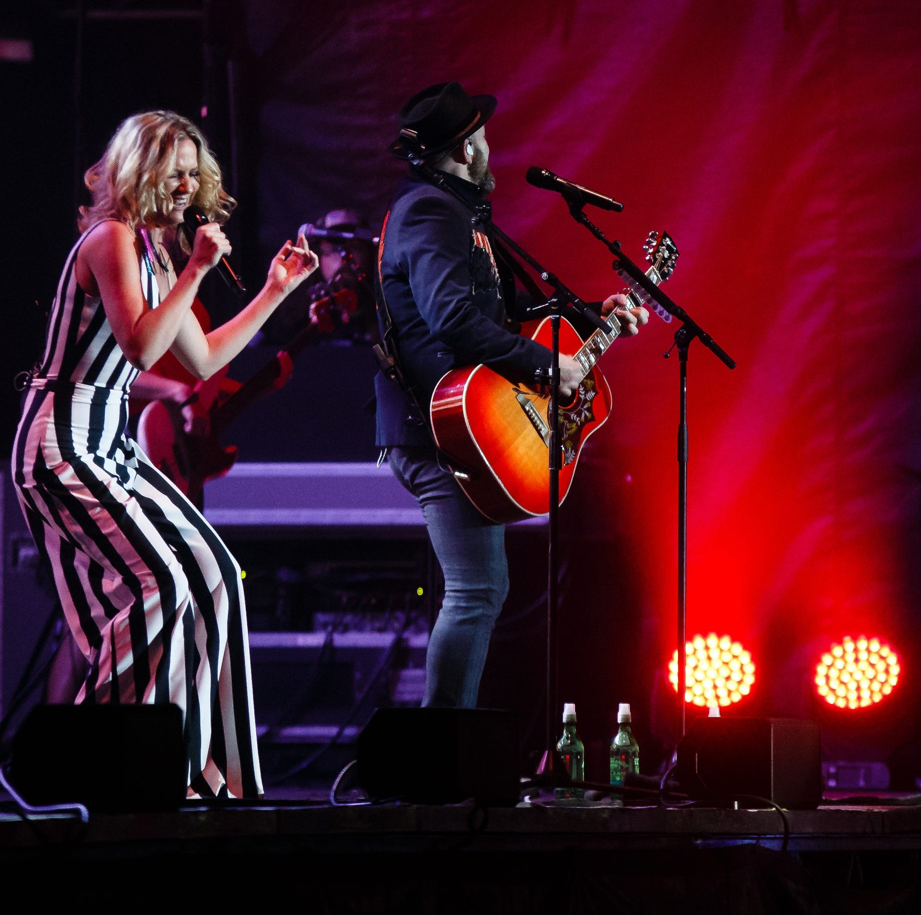 Sugarland brings a night of country fun to the Iowa State Fair's Grandstand