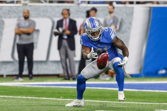Lions running back Ameer Abdullah (21) fumbles a kickoff and recovers afterwards during the first half of the preseason game against New York Giants at Ford Field in Detroit, Friday, August 17, 2018.