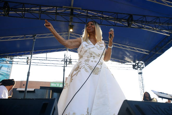 Aretha Franklin performs on the Madison Central stage during the Detroit Music Weekend on Saturday, June 10, 2017 in Detroit.