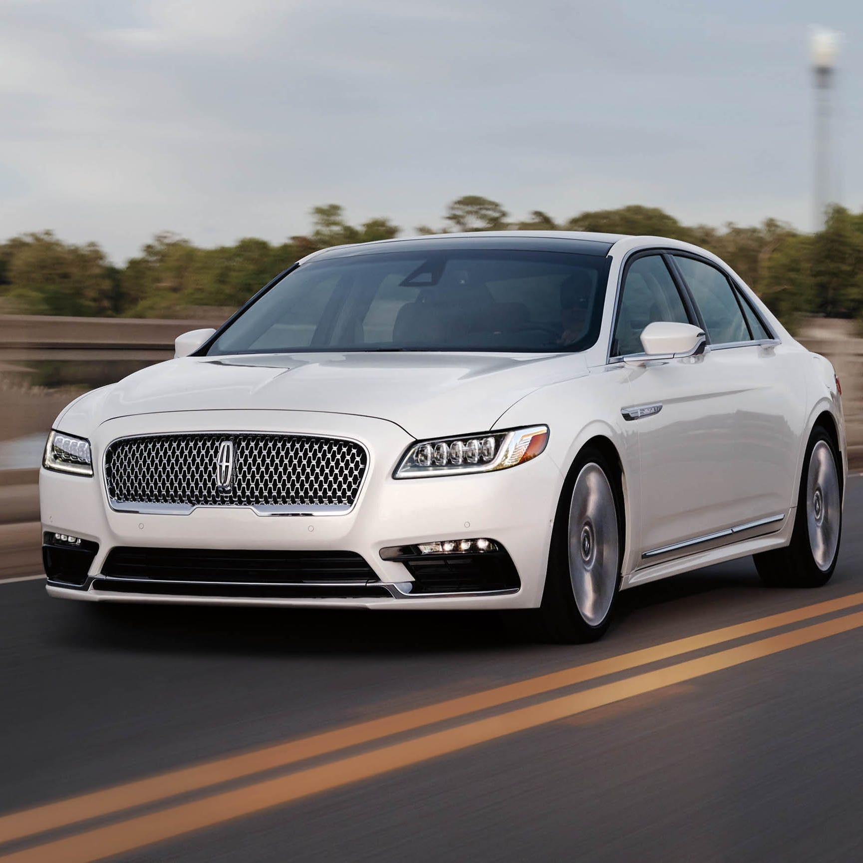 Forget the body massage, Lincoln Continental drives like buttah