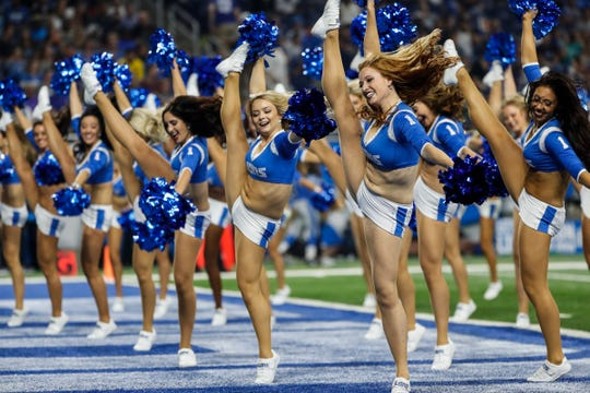 """Detroit Lions cheerleaders dance with Aretha Franklin's song """"Think"""" at the end of the first quarter to honor Aretha Franklin during a preseason game against New York Giants at Ford Field in Detroit, Friday, August 17, 2018."""