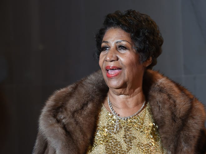 Singer Aretha Franklin poses on the red carpet before the 38th Annual Kennedy Center Honors in Washington, DC.