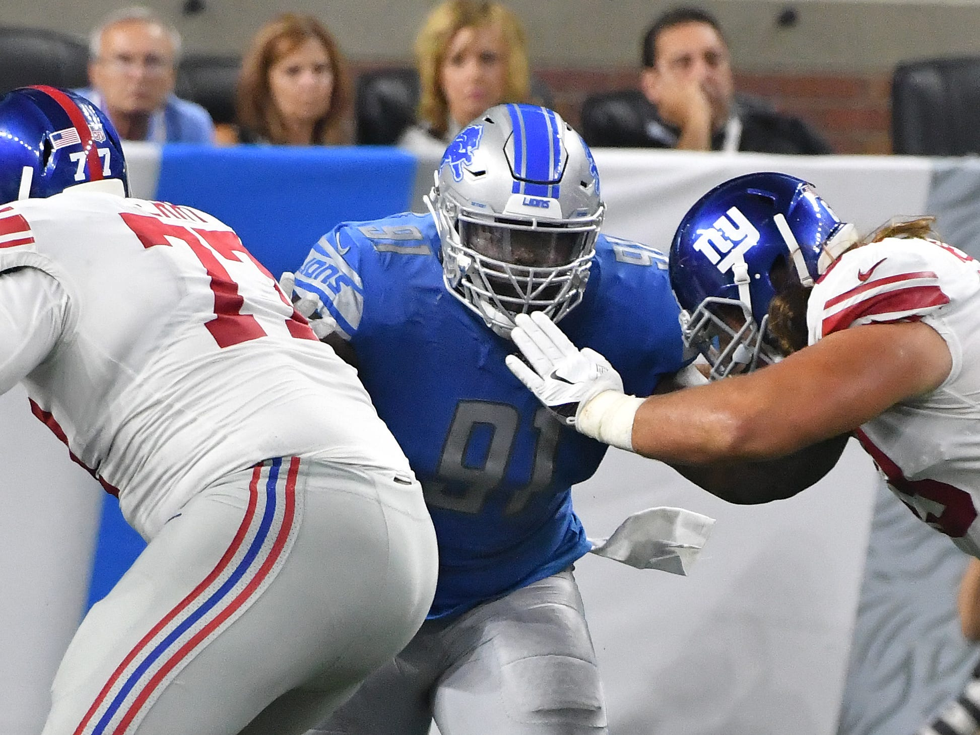 Lions defense tackle A'Shawn Robinson works on the defensive line in the fourth quarter.