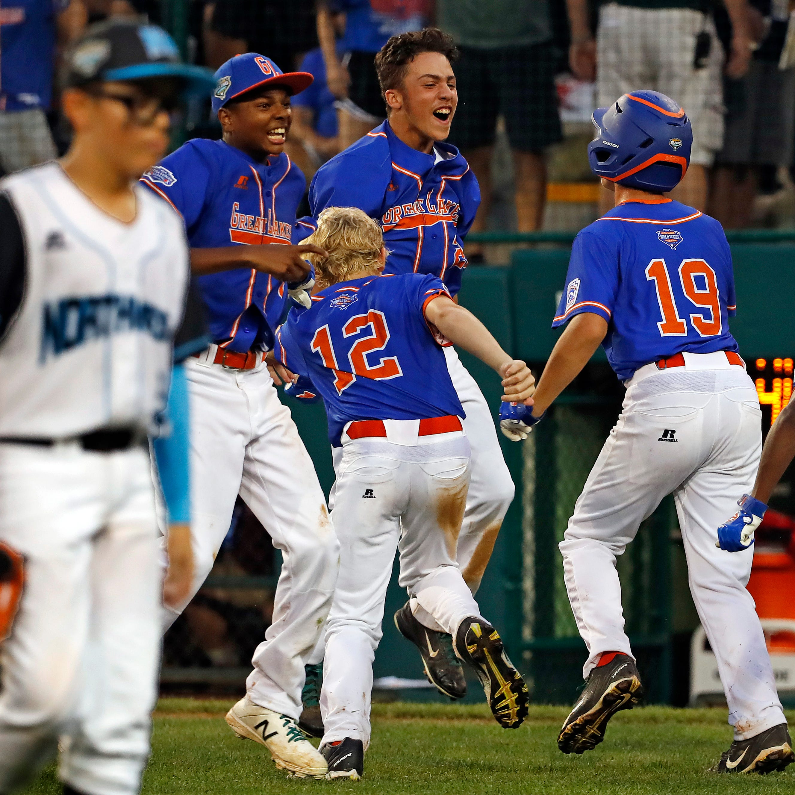 Comeback kids: GP Woods-Shores rallies in LLWS opener