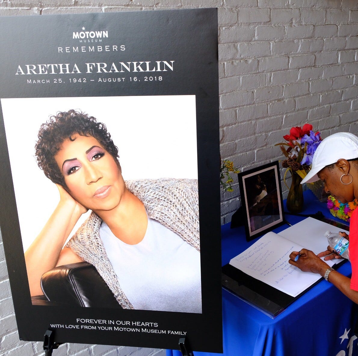 Motown Museum pays tribute to Aretha