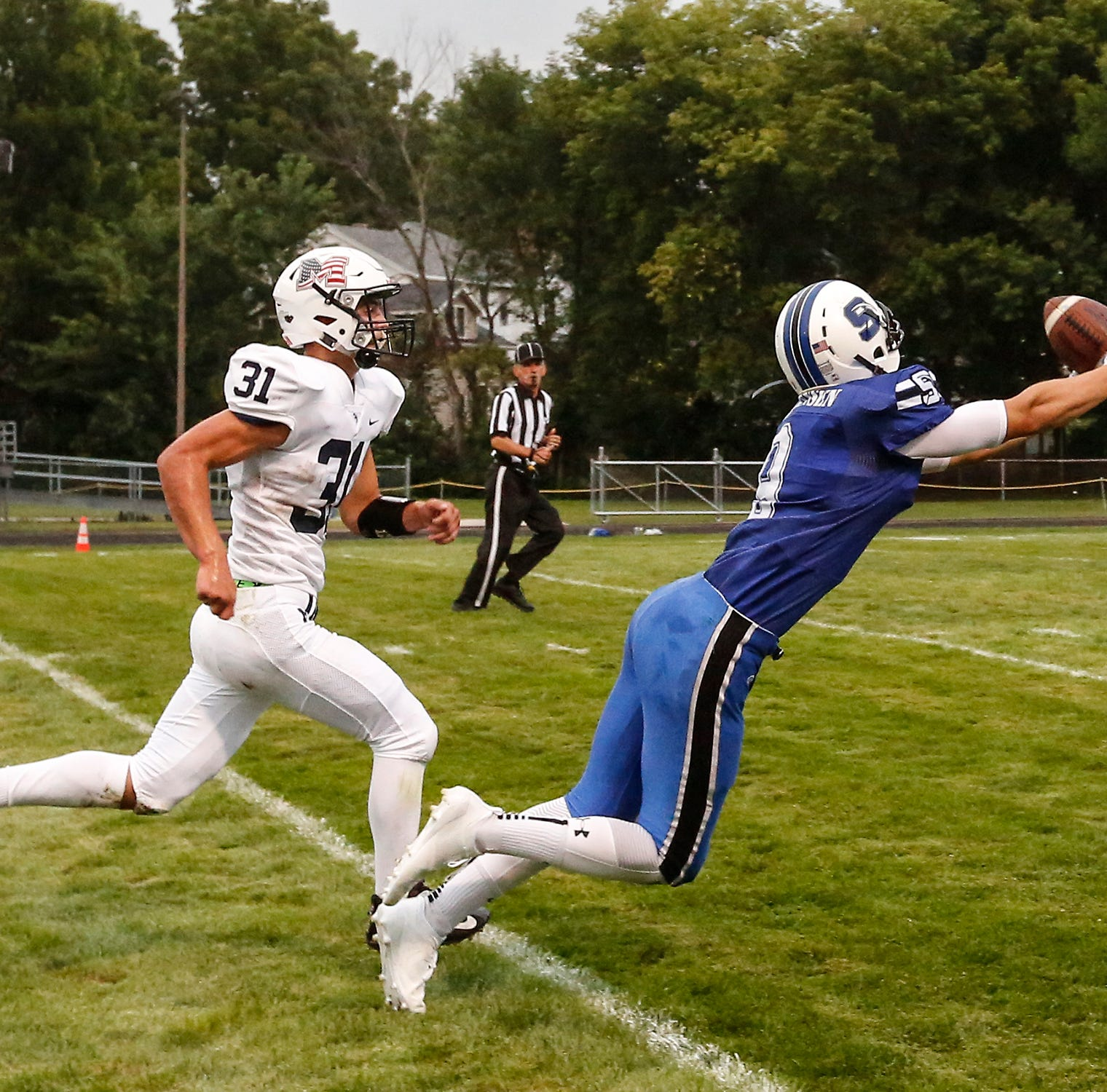 Ledgers showcase high-powered passing game in rout of Markesan