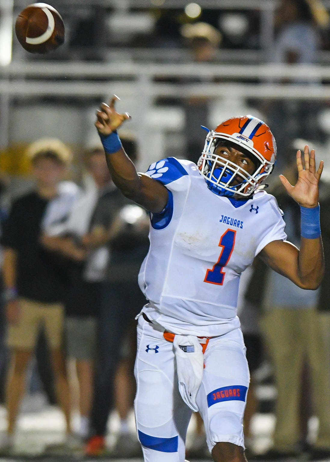 Madison Central quarterback Jimmy Holiday (1) throws the ball against Brandon at Brandon High School, Friday August 17, 2018.(Bob Smith-For The Clarion Ledger)