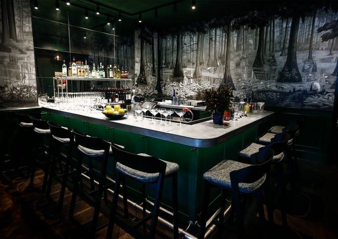 Iris Restaurant ha agregado el nuevo Zing Bar como parte de una reconfiguración integral del concepto y el espacio.