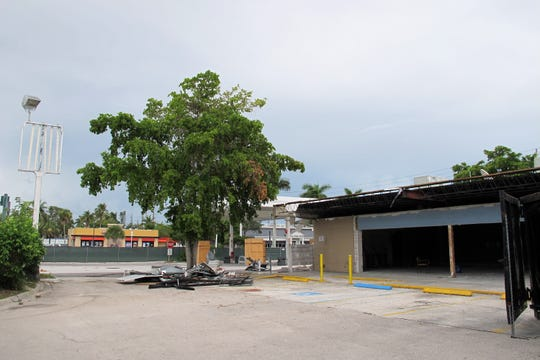 The 7-Eleven store at Seventh Avenue North and U.S. 41 in Naples is getting a substantial façade renovation and gas pumps as it is combined with the adjoining former Speedway station.