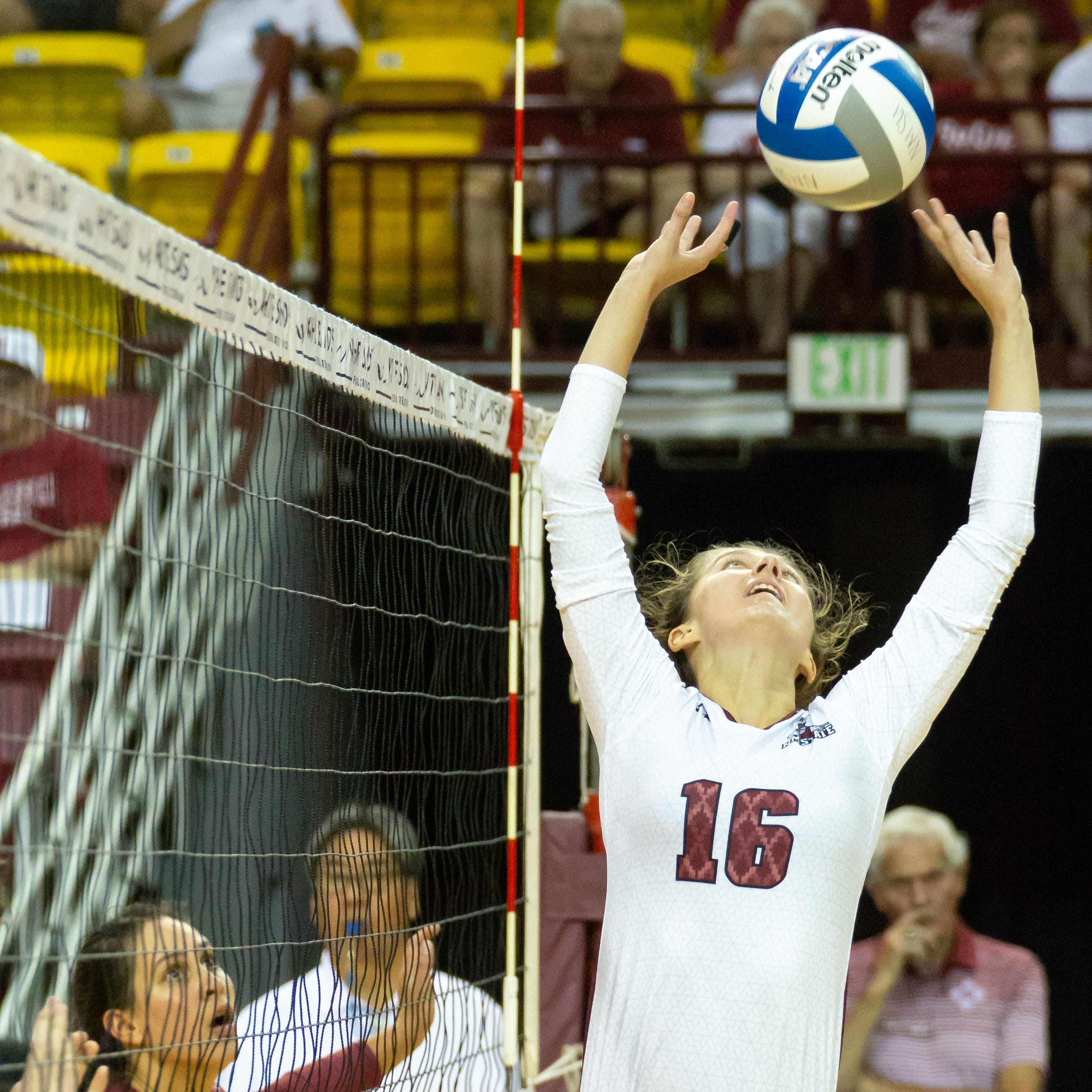 New Mexico State volleyball hosts annual Crimson and White Scrimmage