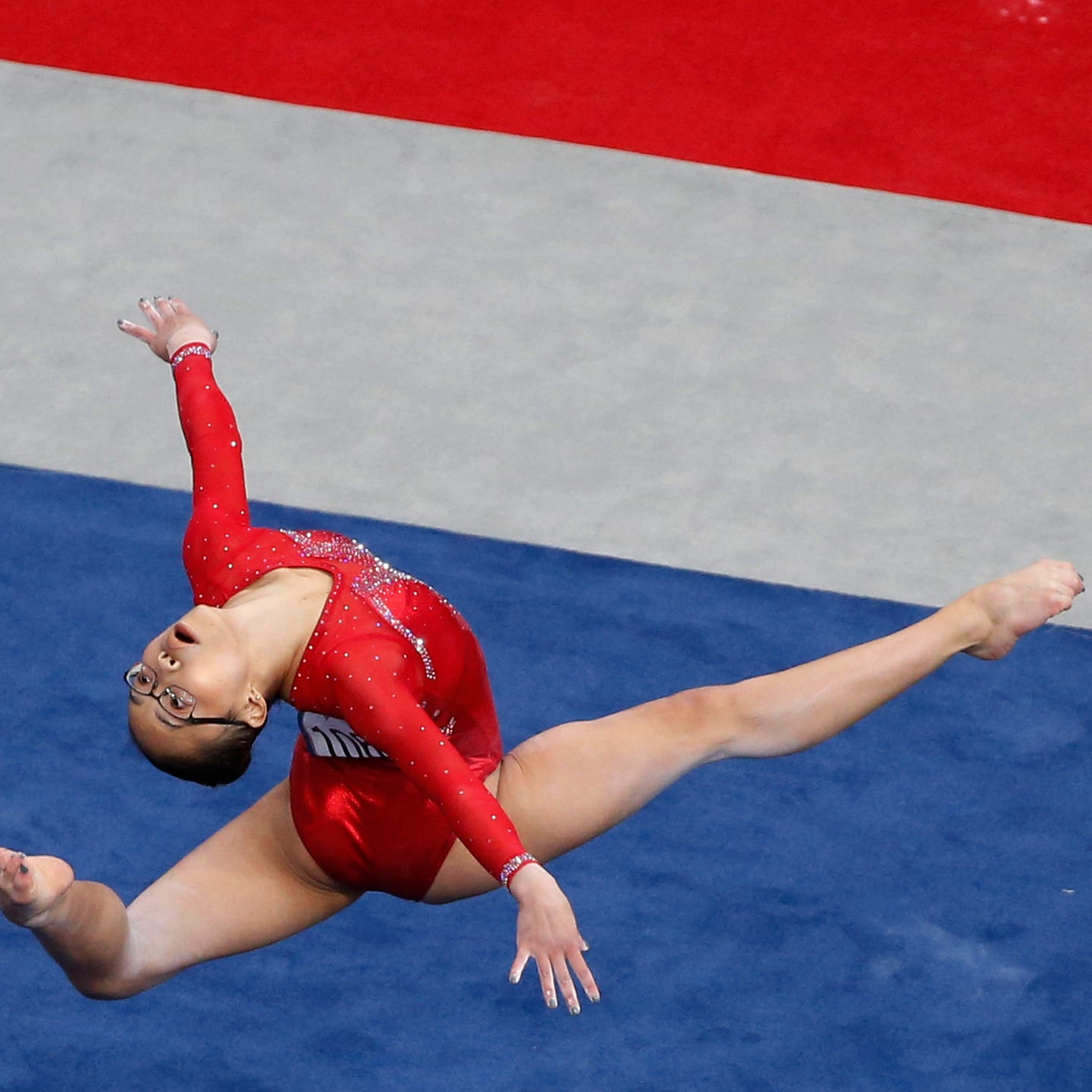 Simone Biles dominates in return to US gymnastics championships; Delaware's Morgan Hurd in second place