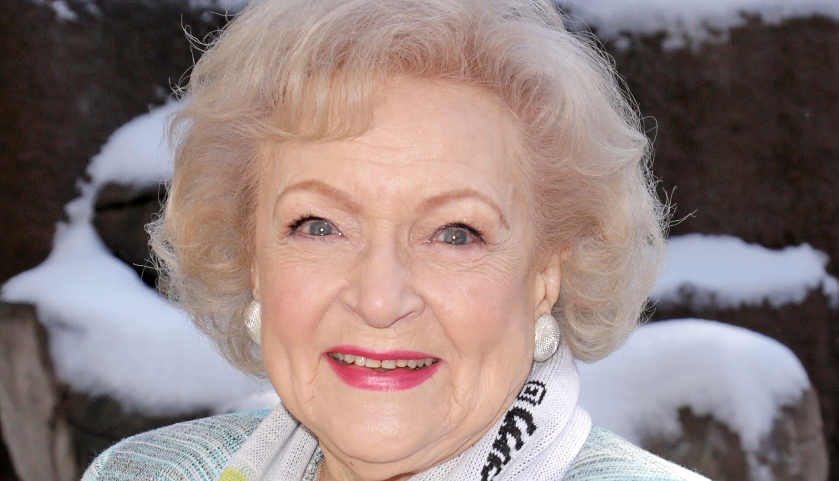 betty white gets pbs film salute to pioneering tv career