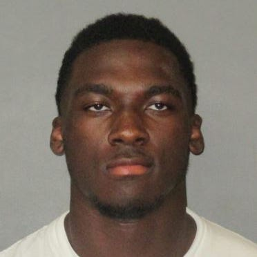 Domestic battery charges vs. LSU's Drake Davis won't be recanted by victim