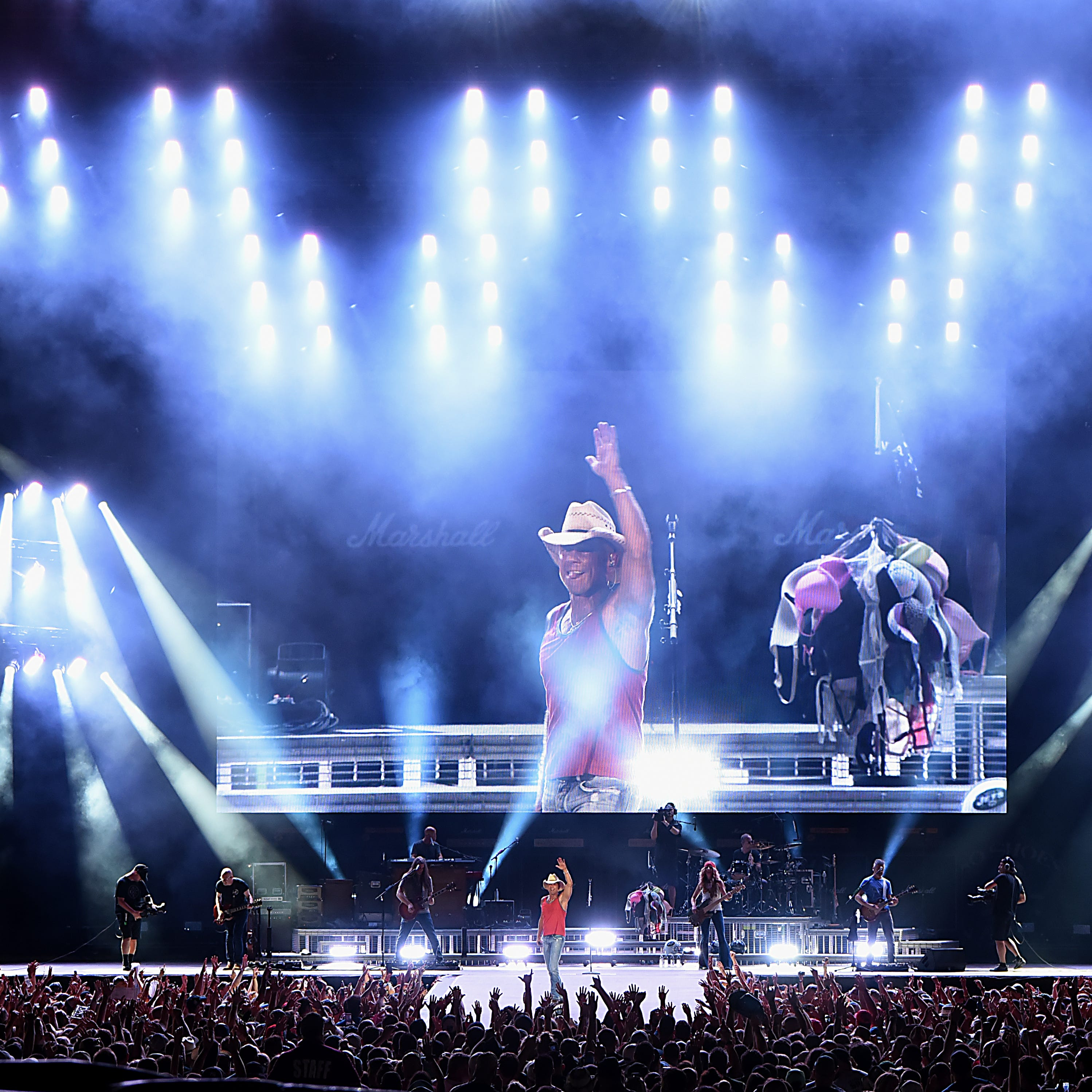 Kenny Chesney at MetLife in photos: Severe weather stops show, not the party