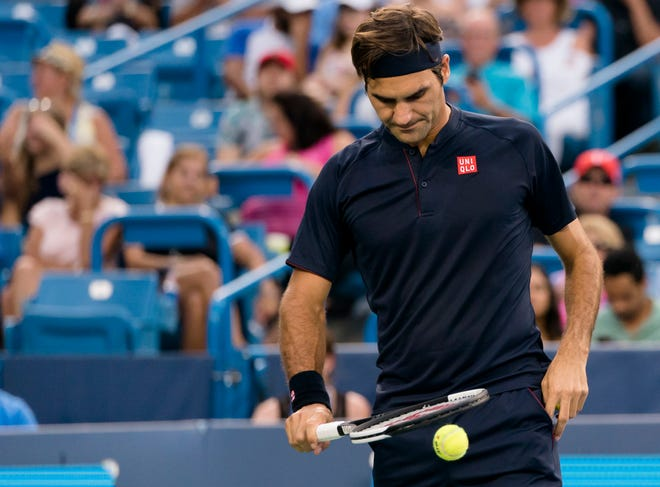 Roger Federer prepares to serve to David Goffin during the Western & Southern Open semi-final match at the Lindner Family Tennis Center in Mason, Ohio, on Saturday, Aug. 18, 2018.