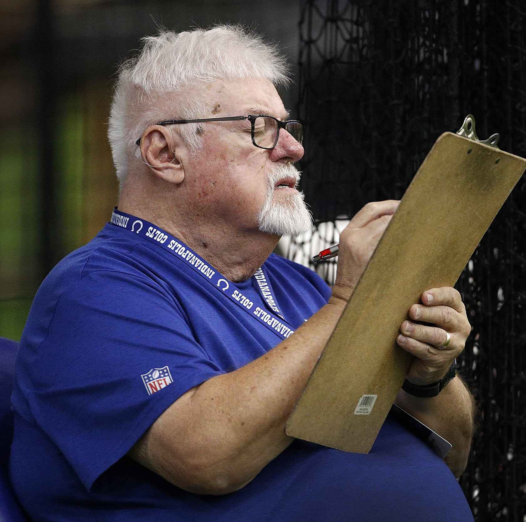 Enjoy famous calls by Colts radio man Bob Lamey
