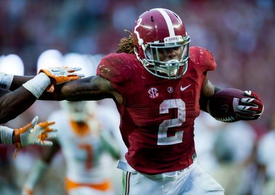 Alabama running back Derrick Henry (2) carries in the go-ahead touchdown late in the fourth quarter against Tennessee at Bryant-Denny Stadium in Tuscaloosa, Ala. on Saturday October 24, 2015.