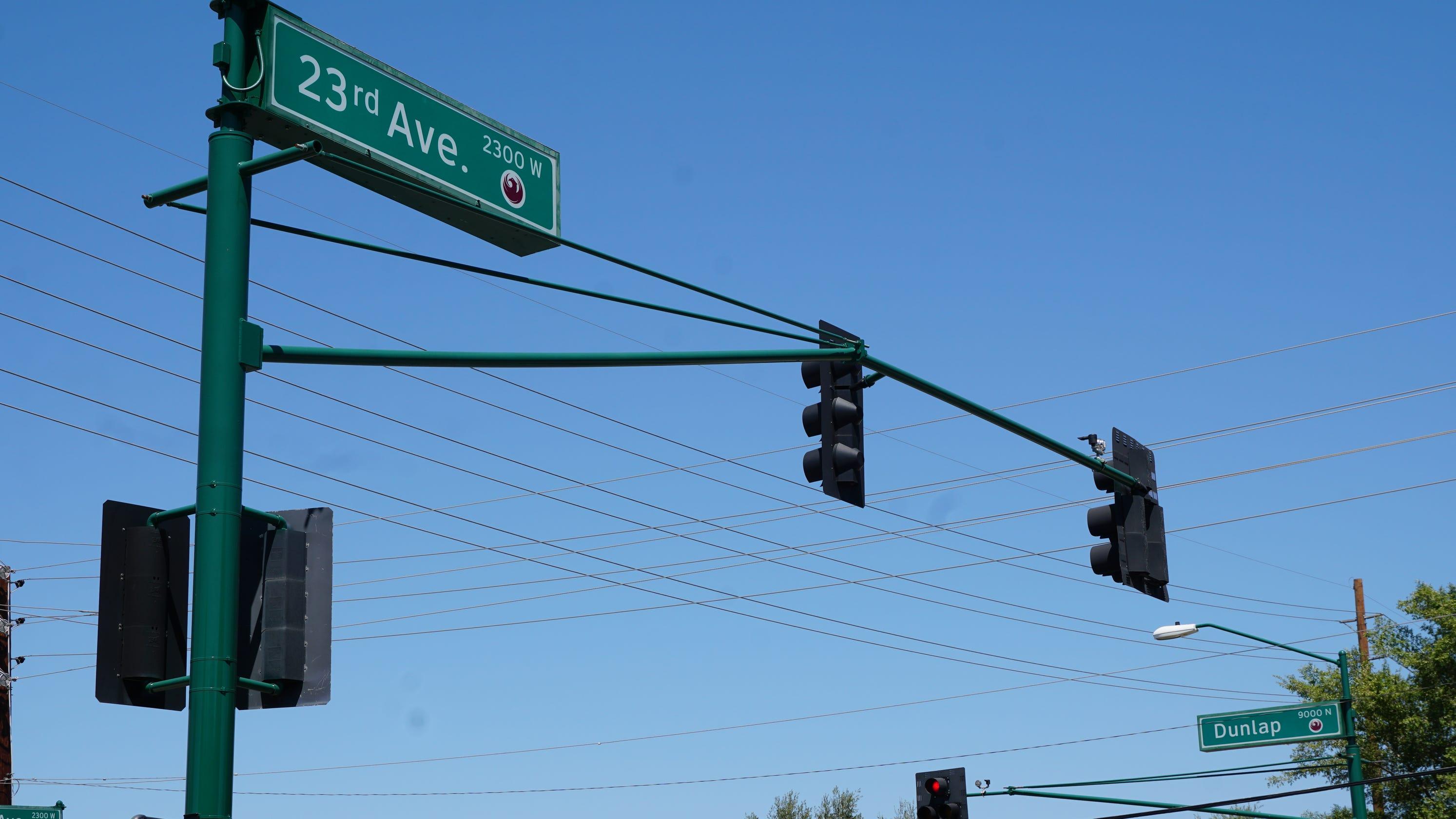 3 teenagers killed, 3 hospitalized in north Phoenix crash