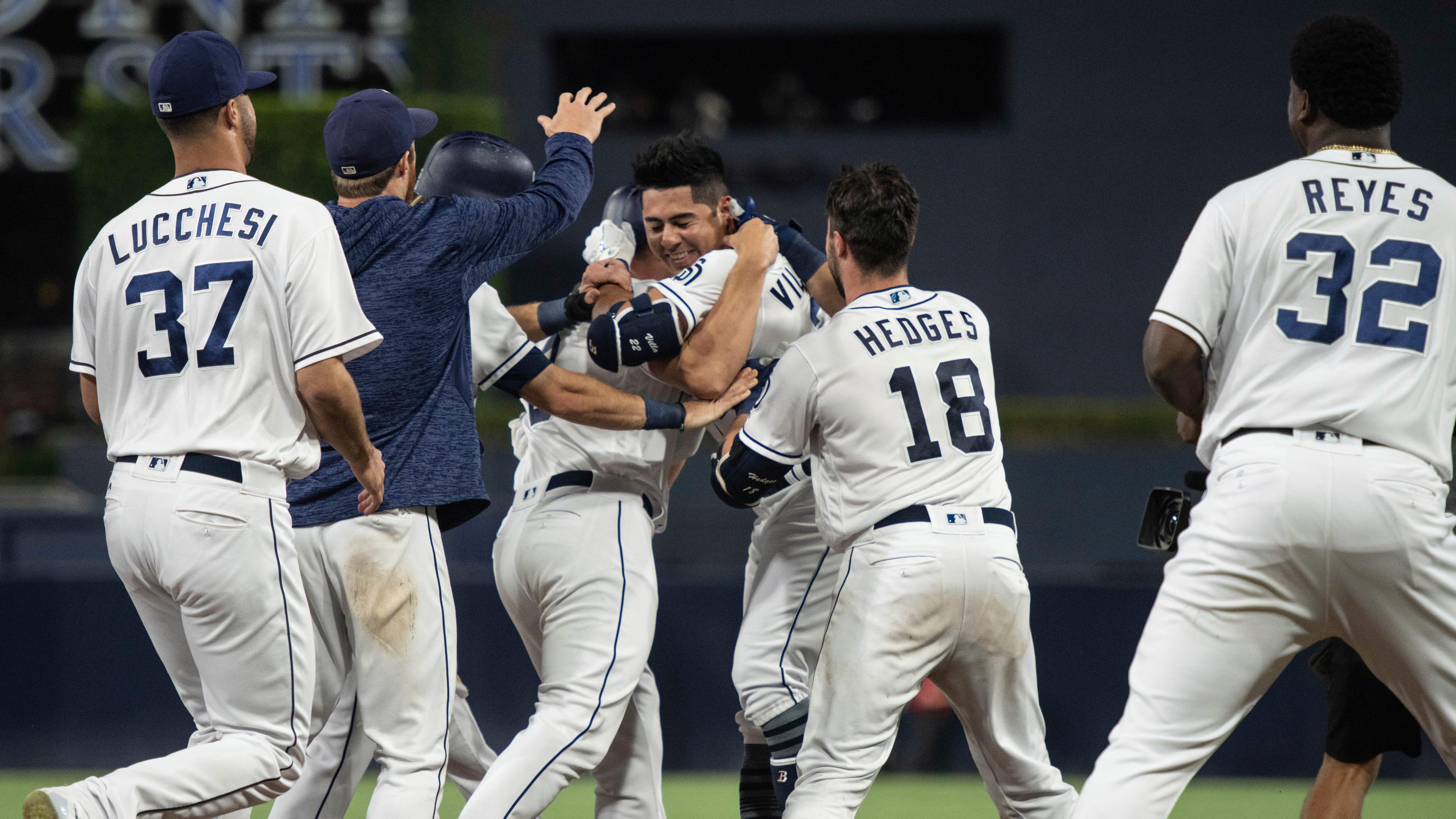 Diamondbacks fall to Padres as division lead shrinks