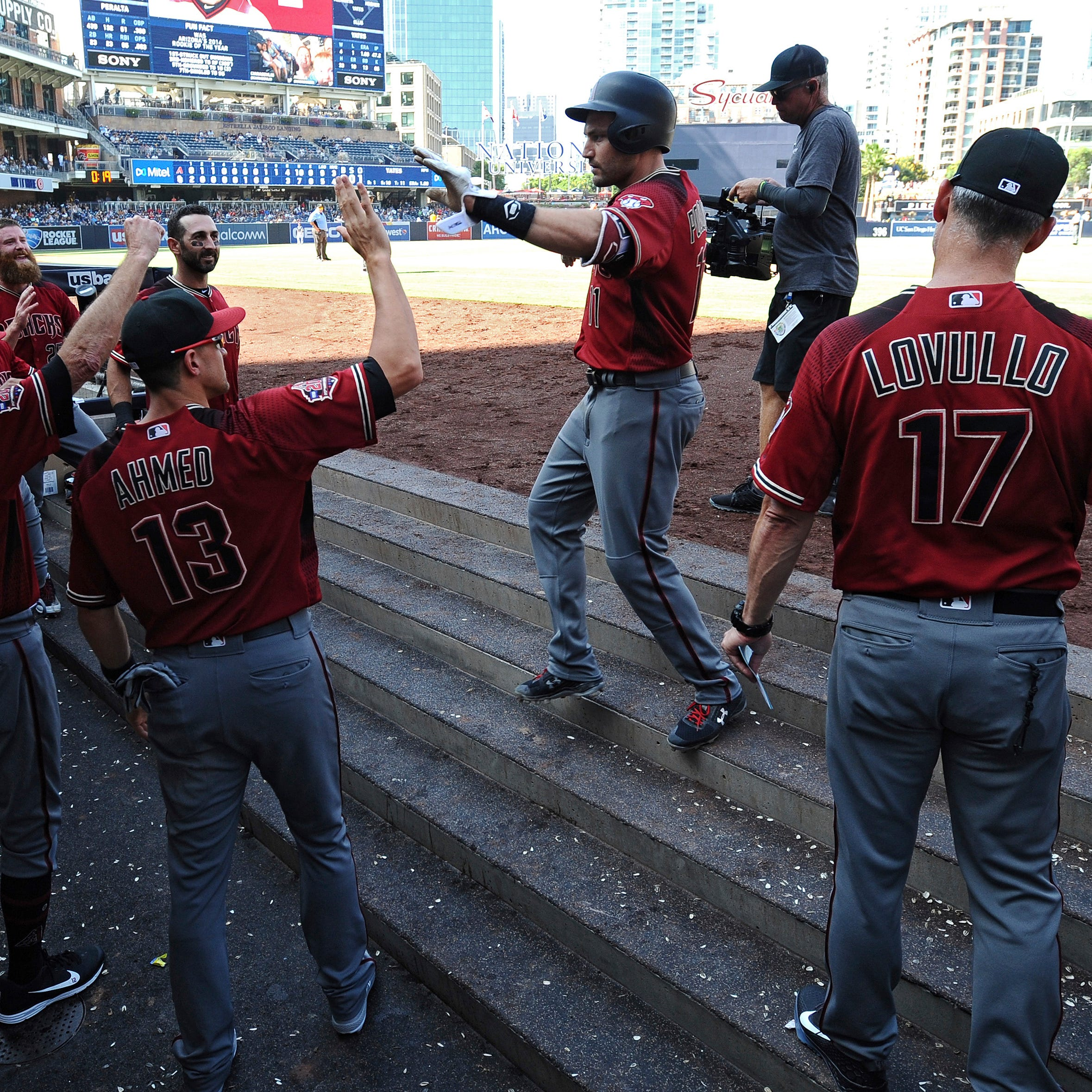 Diamondbacks rally past Padres, end 9-game road trip on high note