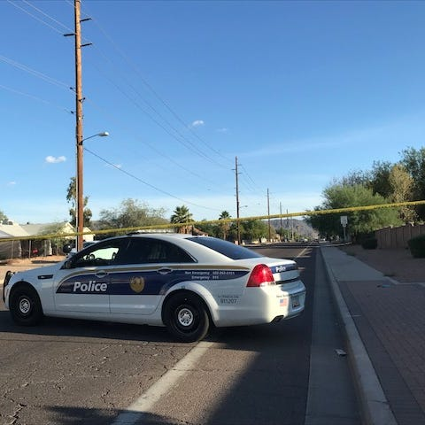Phoenix police: Officer shoots, kills a man while serving a felony warrant in area