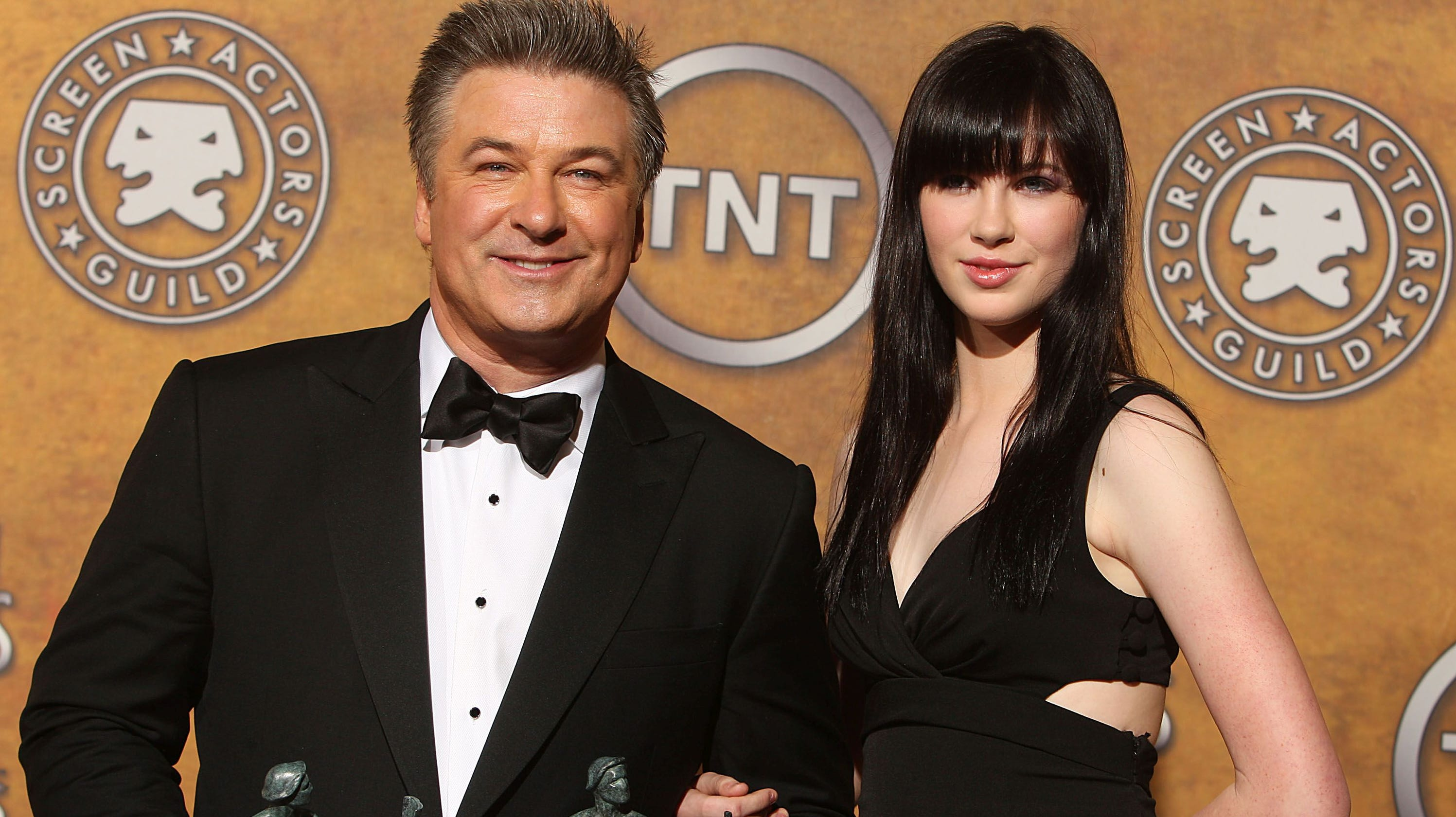 Alec Baldwin Objects To Daughter Ireland S Sexy Instagram Photo No